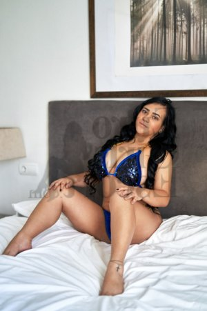 Yvanah live escort in Gainesville TX and happy ending massage