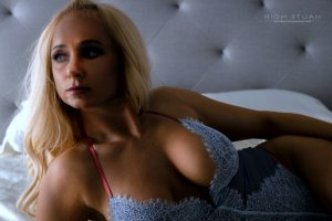 Iseult call girls in Milpitas CA