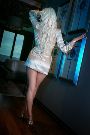 Corinna escort in Bellingham & nuru massage